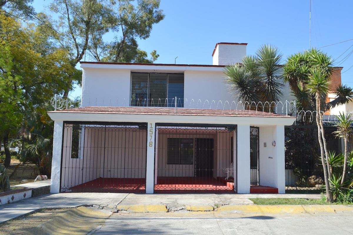 Foto Casa en Renta en  Paseos del Sol,  Zapopan  Guillermo Sepulveda 1578
