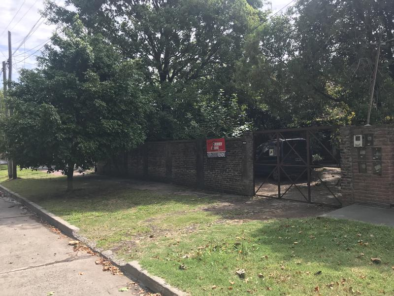 Foto Casa en Venta en  Temperley Este,  Temperley  ITUZAINGO 850