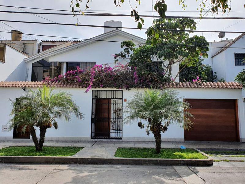 Foto Casa en Venta en  Santiago de Surco,  Lima  Jiron El Rocio - Residencial Higuereta