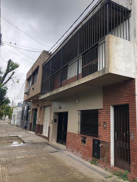 Foto PH en Venta en  La Plata ,  G.B.A. Zona Sur   27 entre 35 y 36