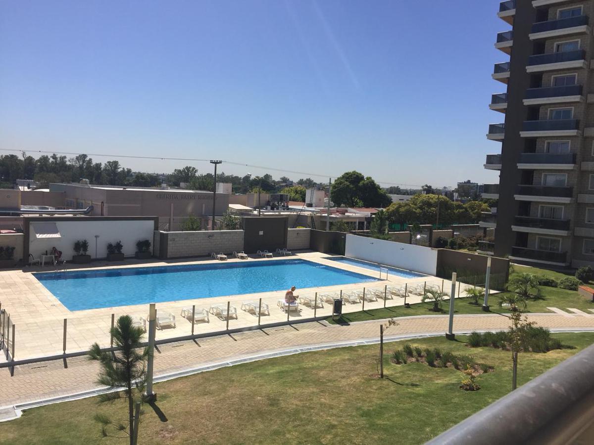 Foto Departamento en Alquiler temporario en  Alto Alberdi,  Cordoba Capital  Av. Sagrada Familia  al 400