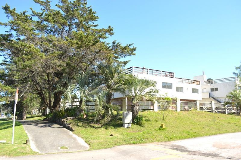 Foto Casa en Alquiler | Alquiler temporario en  Pinares,  Punta del Este  Camino la laguna, Pinares
