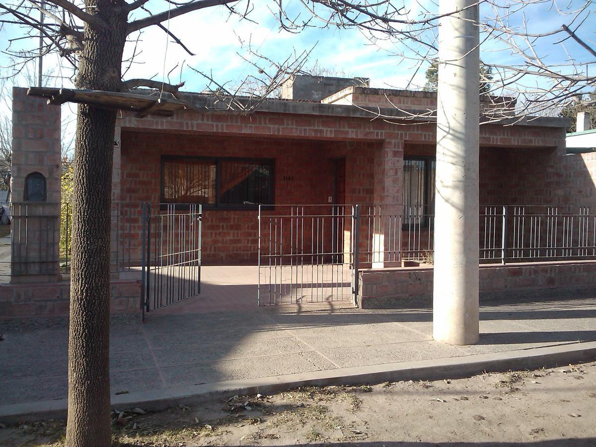 Foto Casa en Alquiler en  Villa Dolores,  San Javier  CASA EN ALQUILER 3 DORM.  EN AV. ESPAÑA 1103