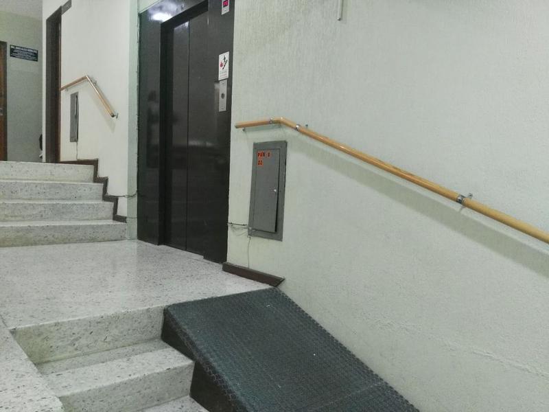 Foto Oficina en Venta | Renta en  Fraccionamiento Jardines del Moral,  León  Consultorio en venta o renta en Jardines del Moral