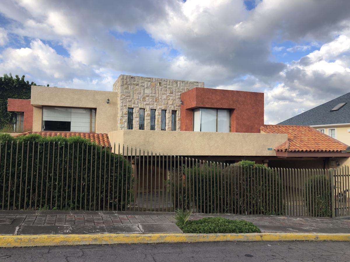 Foto Casa en Venta en  Cumbayá,  Quito  Urbanización Cumbres del Valle