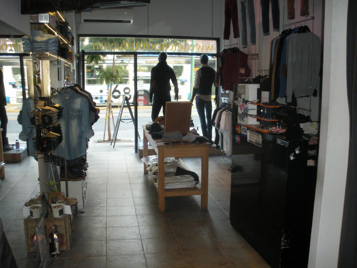 Foto Local en Venta | Alquiler en  Belgrano C,  Belgrano  Av. Cabildo y Maure