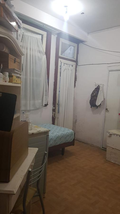 Foto Local en Venta en  San Cristobal ,  Capital Federal  Av. Carlos Calvo al 1800 (Local + vivienda)