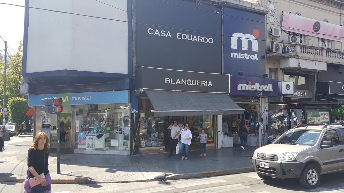 Foto Local en Alquiler en  Belgrano ,  Capital Federal  Av.Cabildo al 2100