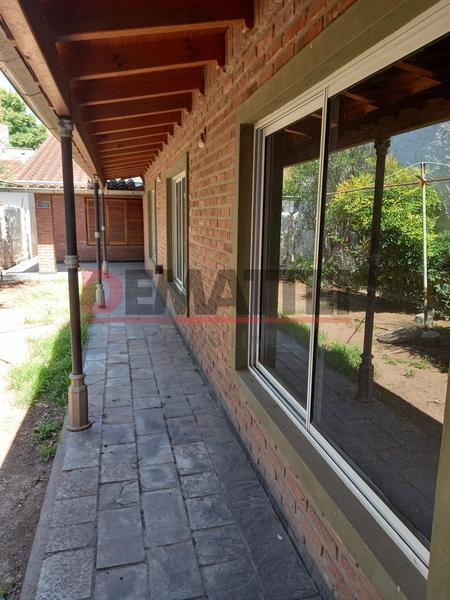 Foto Casa en Alquiler en  Centro (Moreno),  Moreno  RESERVADO DIC 2020 Uruguay al 300