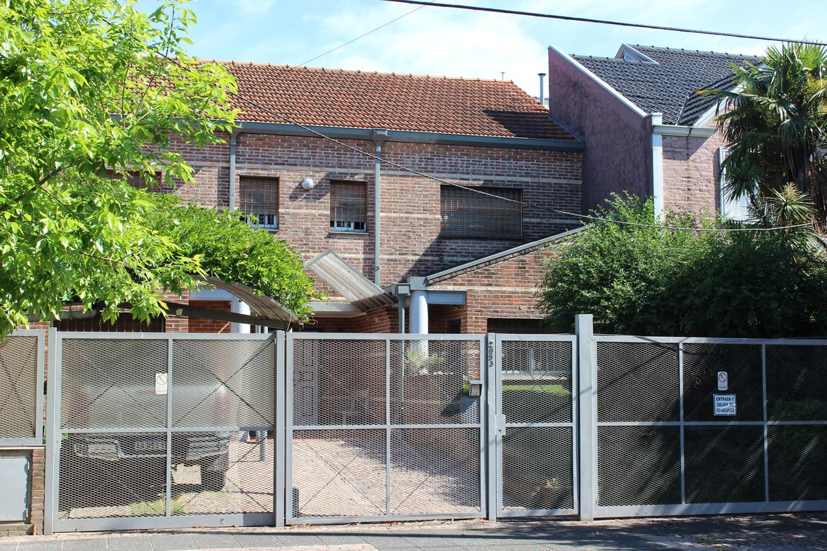 Foto Casa en Venta en  Florida,  Vicente López  Arenales al 2900