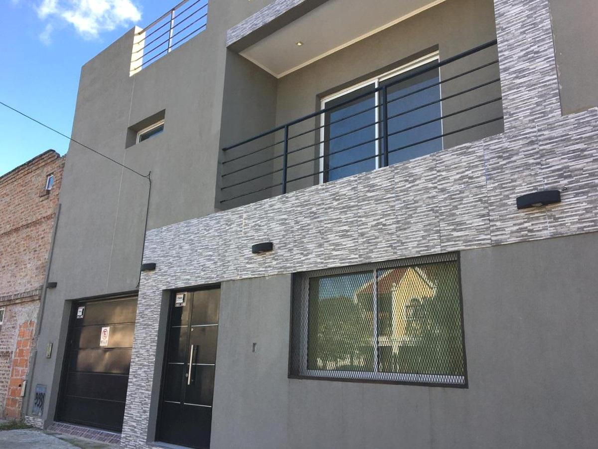 Foto Casa en Venta en  Villa Devoto ,  Capital Federal  José León Cabezón al 3900