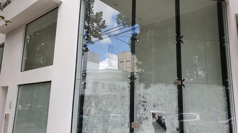 Foto Local en Venta en  La Plata ,  G.B.A. Zona Sur  calle 12 y 43
