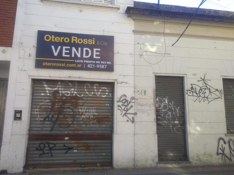 Foto Casa en Venta en  La Plata,  La Plata  Diagonal  77   747