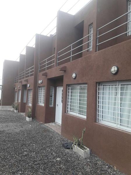 Foto Casa en Venta en  Cuesta colorada,  La Calera  Dúplex en Venta de 1 Dormitorio con Balcón. Patio y Cochera en Cuesta colorada