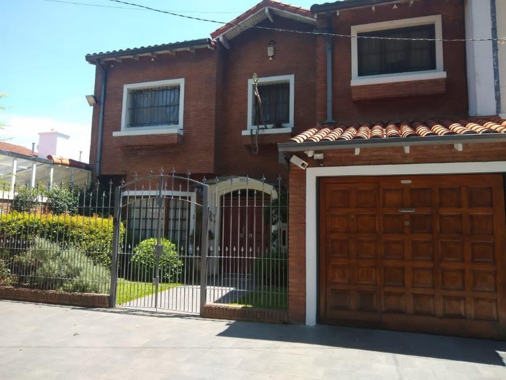 Foto Casa en Venta en  La Lucila-Vias/Libert.,  La Lucila  Castellanos al 3600
