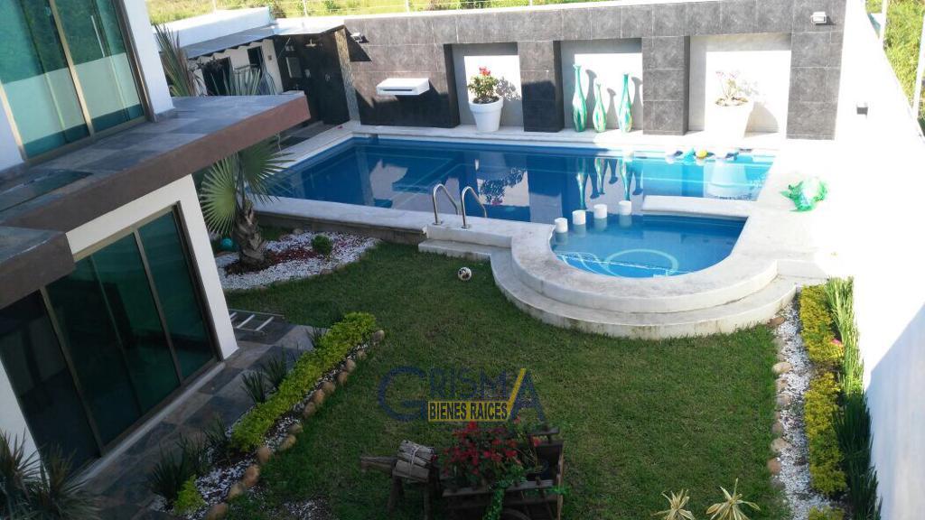Foto Casa en Venta en  Jardines de Tuxpan,  Tuxpan  CASA EN VENTA EN COL. JARDINES.