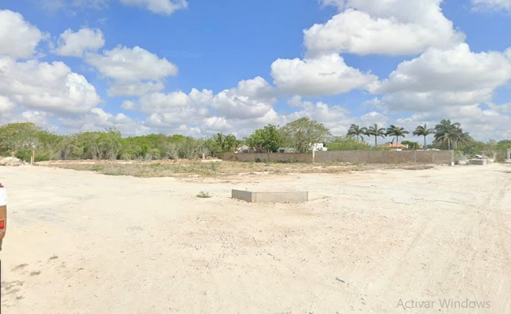 Foto Terreno en Venta en  Hacienda Xcanatun,  Mérida  Terreno a la venta Mérida-Progreso  a una cuadra de la carretera