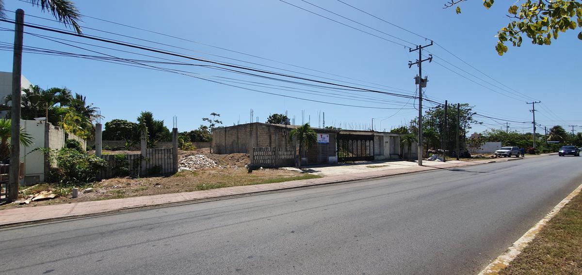 Foto Terreno en Venta en  Chetumal ,  Quintana Roo  Terreno Comercial sobre Av Centenario