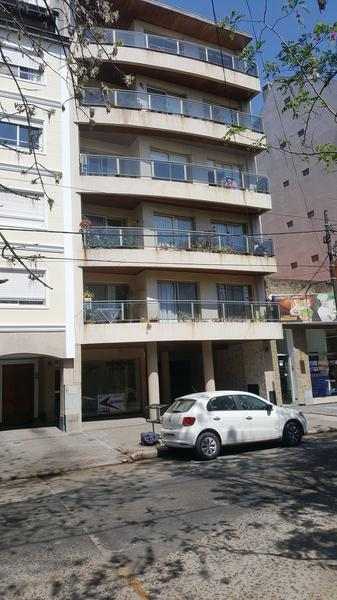 Foto Departamento en Alquiler en  Adrogue,  Almirante Brown      DIAGONAL BROWN 1328, 5to B, entre plaza Espora y Mitre