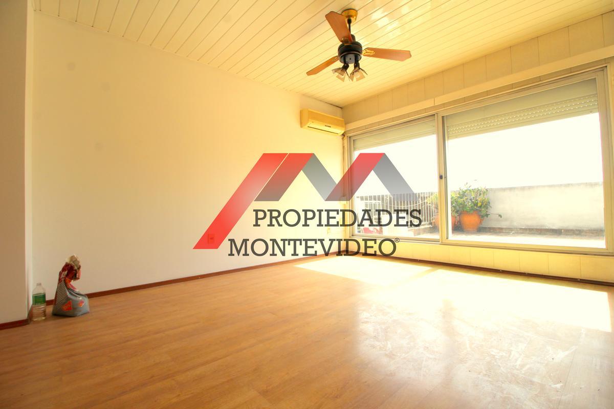 Foto Apartamento en Alquiler en  Centro (Montevideo),  Montevideo  Centro, Av. 18 de Julio al 1200