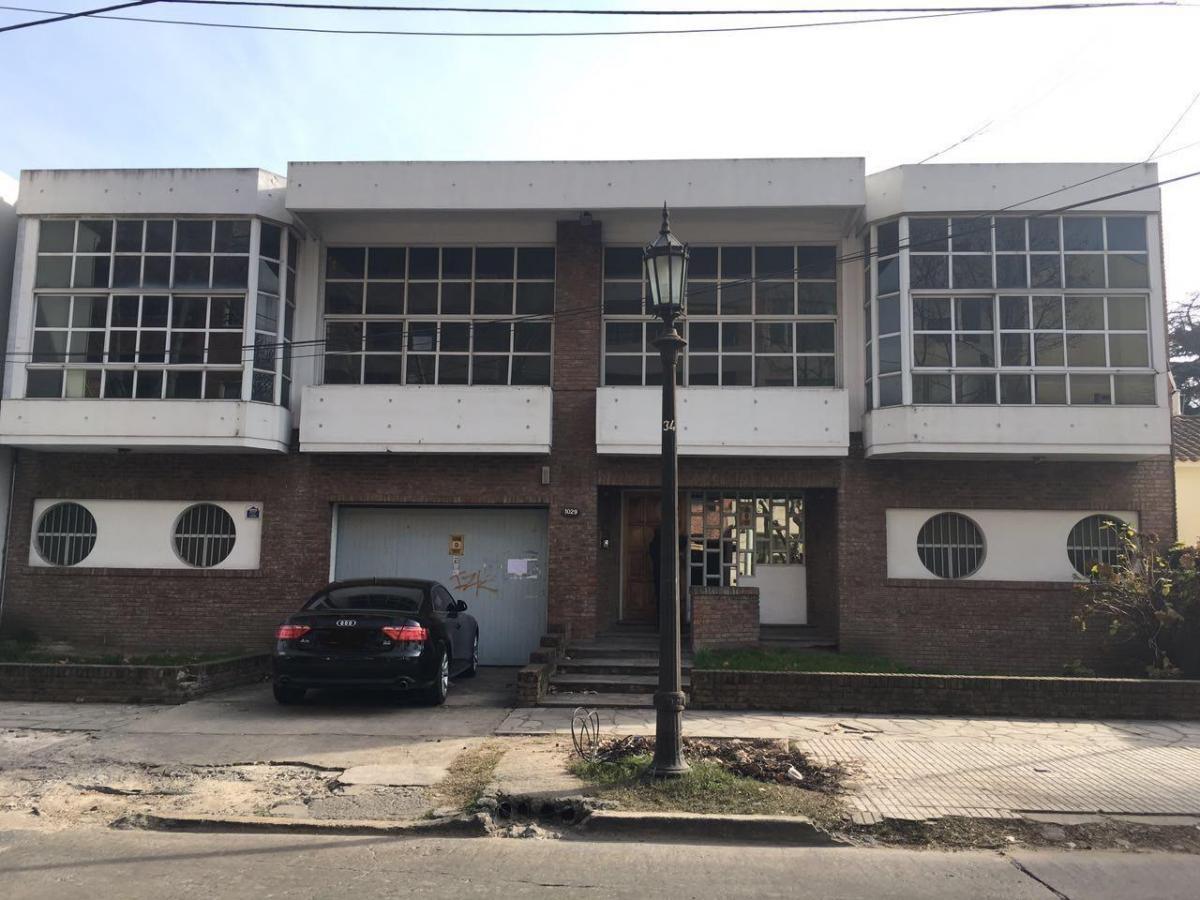 Foto Oficina en Alquiler en  Adrogue,  Almirante Brown  Intendente Gonzalez 1029