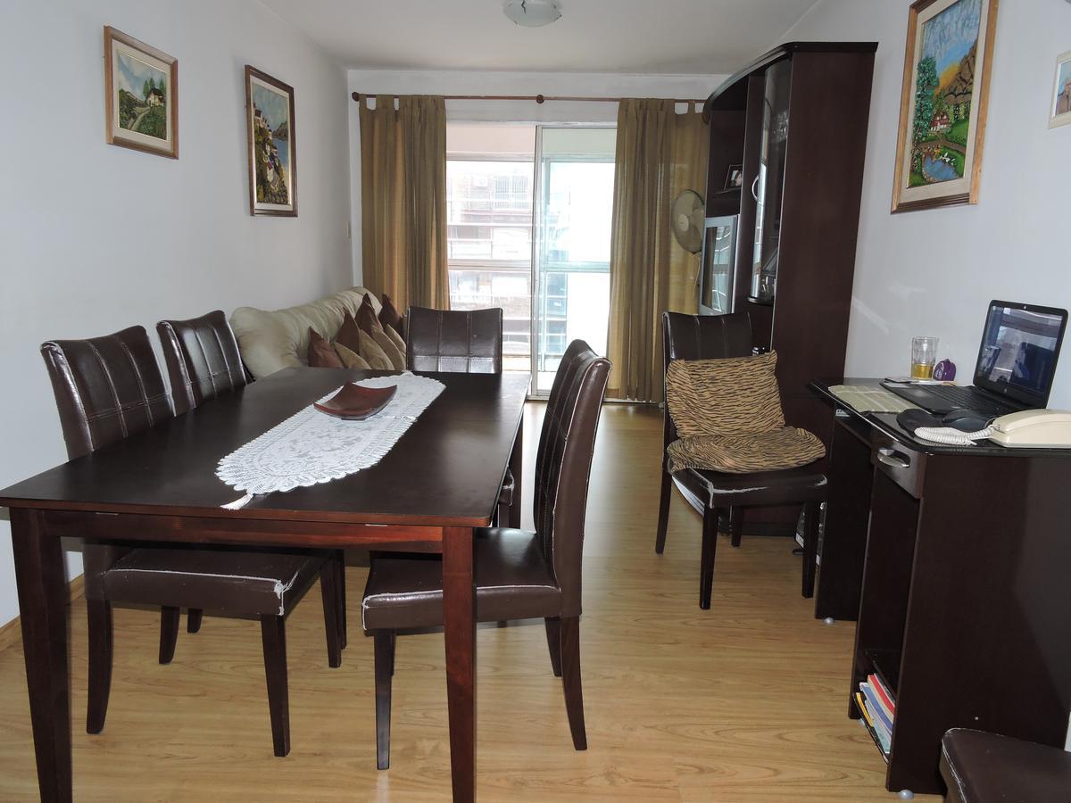 Foto Apartamento en Venta en  Centro (Montevideo),  Montevideo  Apartamento 2 dormitorios y 2 baños en muy buen estado - Centro