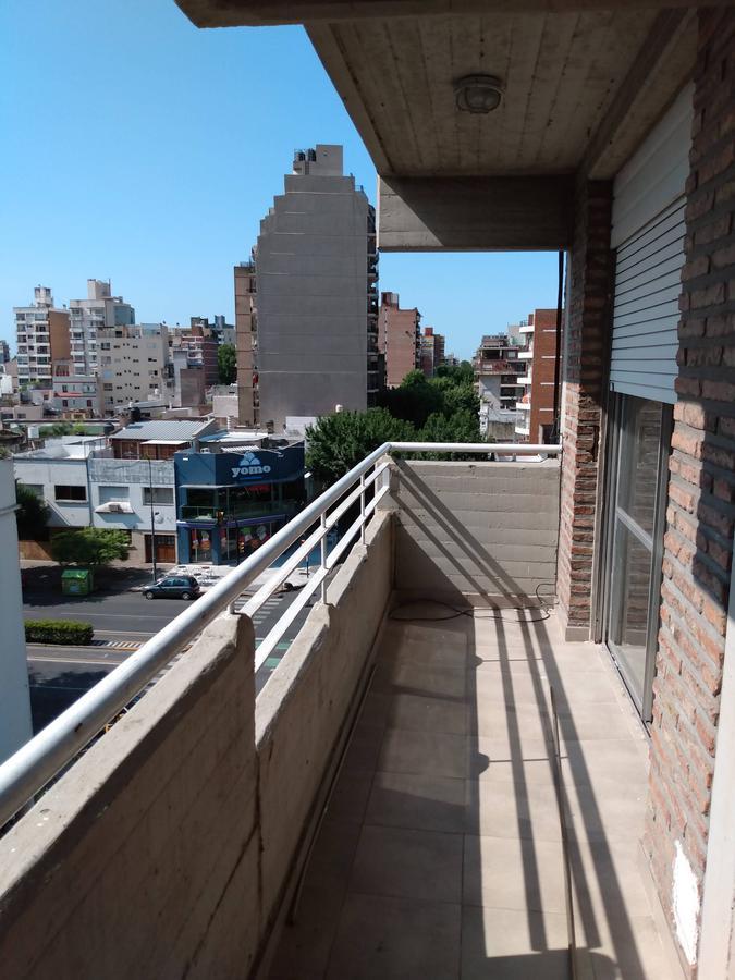 Foto Departamento en Alquiler en  Martin,  Rosario  Alquiler - 1 dormitorio - Av. Pellegrini y 1ro de Mayo