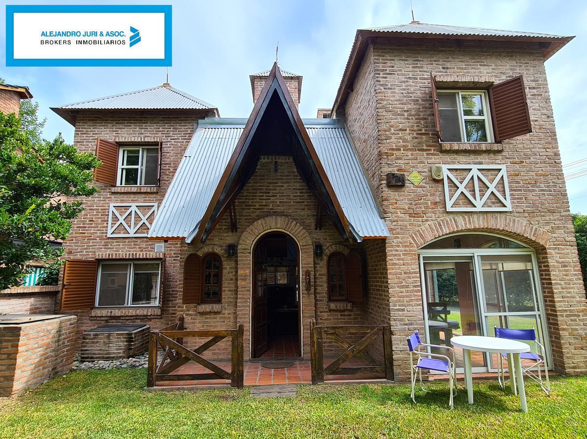 Foto Casa en Venta en  Countries/ B.Cerrado (P. Esther),  Pueblo Esther  Hermosa Casa de 2 Dormitorios Country GER Pueblo Esther