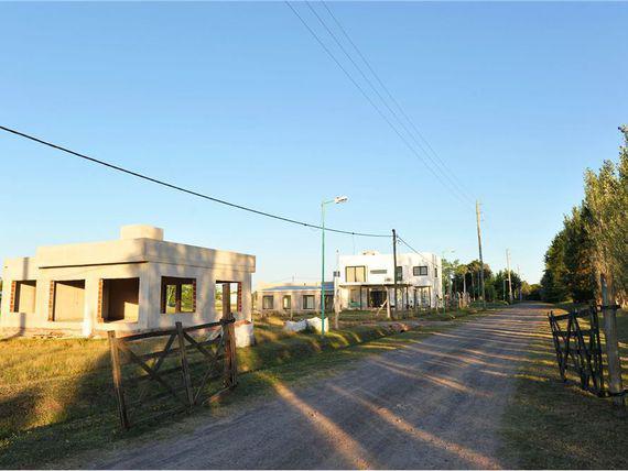 Foto Terreno en Venta en  City Bell,  La Plata  135 y 446