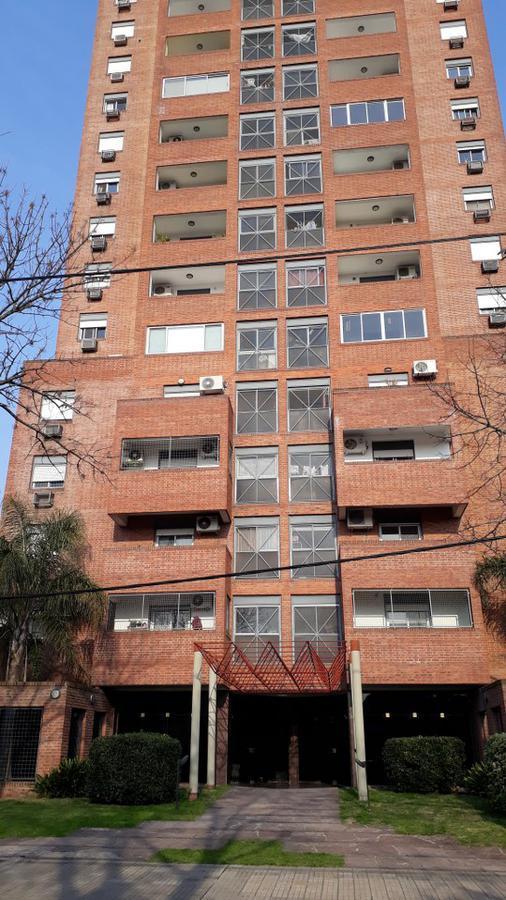 Foto Departamento en Alquiler en  La Plata ,  G.B.A. Zona Sur  37 E/ 8 Y 9 Nº 668 PISO 4º AL FRENTE