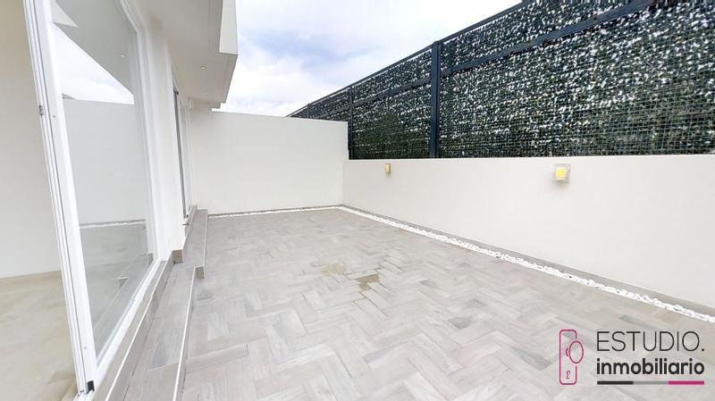 Foto Casa en Venta en  Lomas de Tecamachalco,  Naucalpan de Juárez  TECAMACHALCO CASA EN VENTA.seguridad,luminosa,terraza.