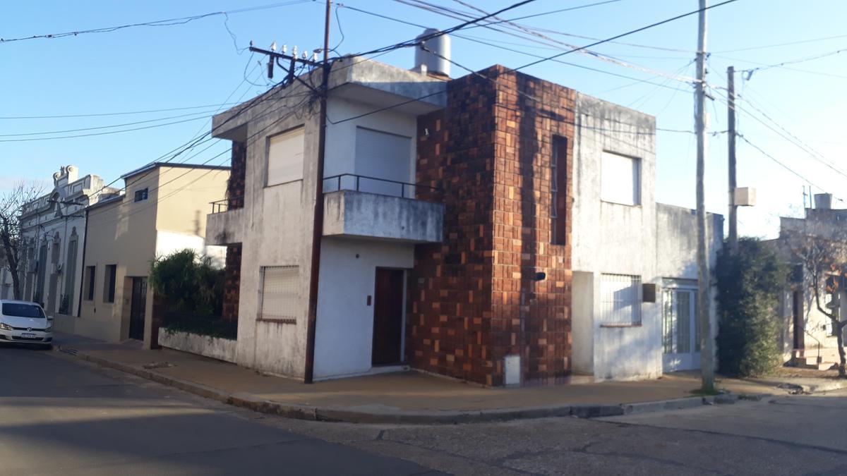 Foto Casa en Alquiler en  Concordia,  Concordia  Entre Ríos y Pueyrredón
