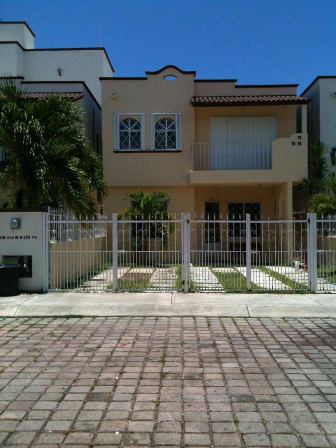Foto Casa en Venta en  Región 514,  Cancún  CASA EN VENTA EN CANCUN EN SUPERMANZANA 514