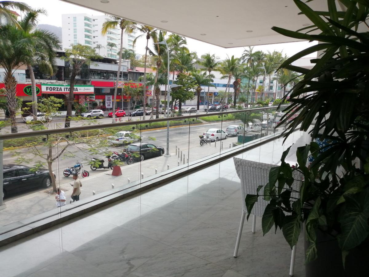 Foto Departamento en Venta en  Acapulco de Juárez ,  Guerrero  Fraccionamiento Club Deportivo Calle.Av. Costera Miguel Alemán