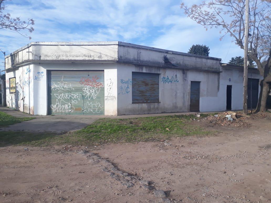 Foto Galpón en Venta en  San Miguel,  San Miguel  GUEMES al 2700