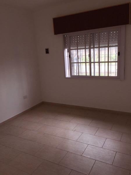 Foto Casa en Alquiler en  La Reja,  Moreno  Ricardo Rojas al 3000 - Lado Norte - La Reja