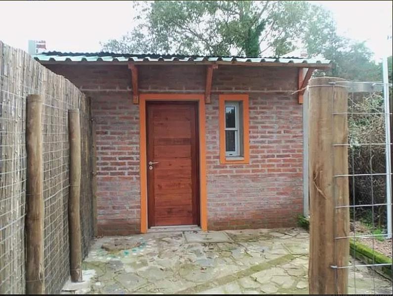 Foto Casa en Alquiler en  Solymar ,  Canelones  a una cuadra de Av. Giannattasio al norte y una de Márquez Castro
