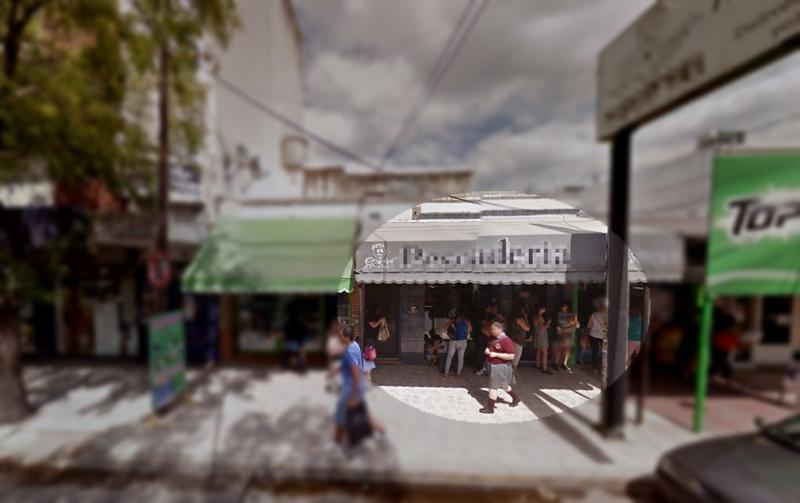 Foto Local en Alquiler en  Moreno,  Moreno  Local - Claudio Maria Joly esquina Asconape - Lado sur