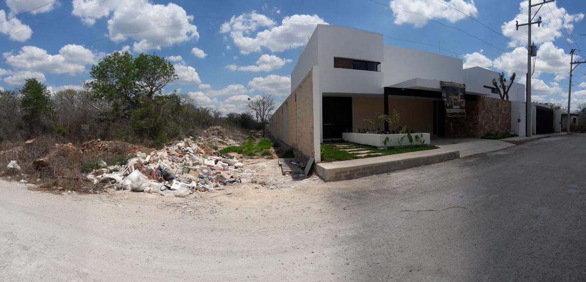 Foto Terreno en Venta en  Pueblo Cholul,  Mérida  Terreno en venta en Merida, Cholul, zona desarrollada antes de  llegar al Pueblo