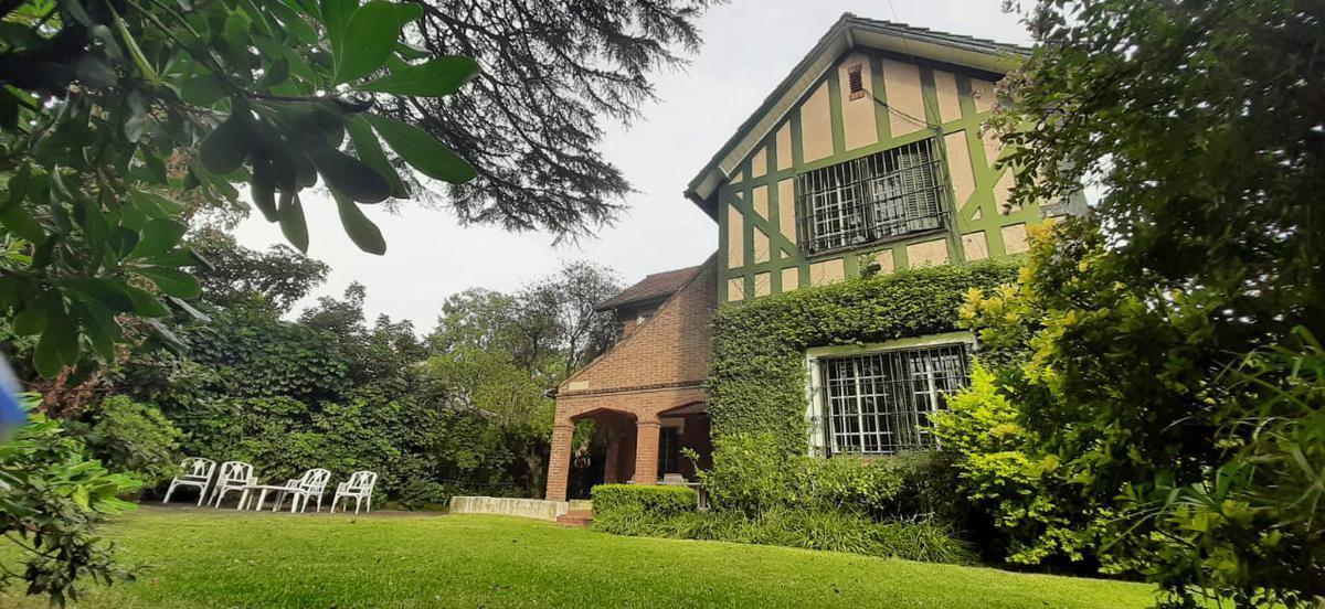 Foto Casa en Venta en  Acas.-B.Parque Aguirre,  Acassuso  Estanislao del Campo al 100