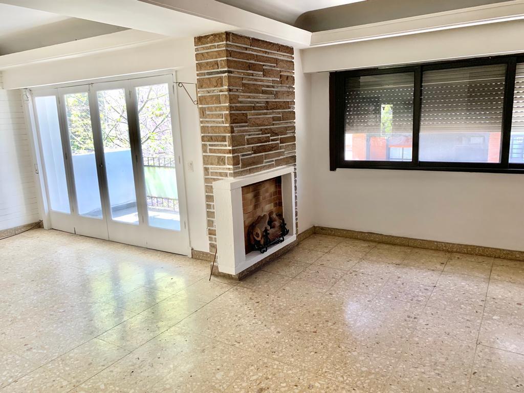 Foto Departamento en Alquiler en  Almagro ,  Capital Federal  Bartolome Mitre al 4000