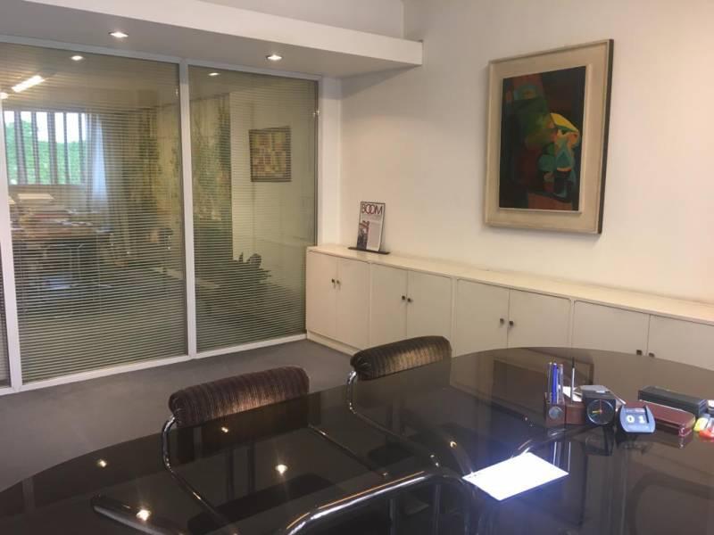 Foto Oficina en Venta en  Retiro,  Centro (Capital Federal)  Cerrito al 1000