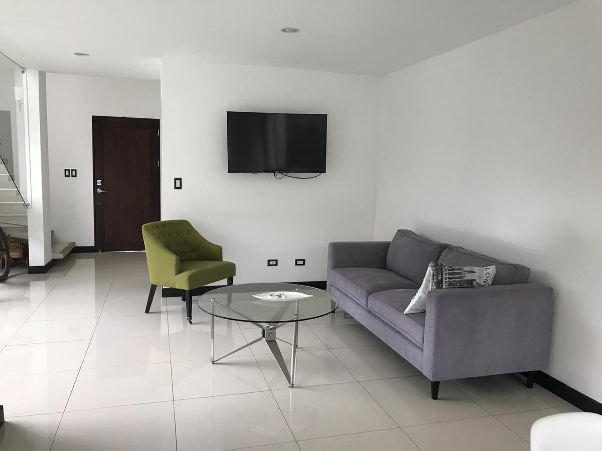 Foto Casa en condominio en Venta | Renta en  Santa Ana ,  San José  Casa en Santa Ana/ Amueblada/ Contemporánea