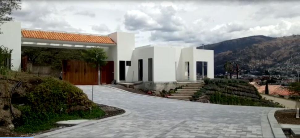 Foto Terreno en Venta en  Tumbaco,  Quito  Vendo Terrenos con linda vista en Urbanización privada, sector Viña Alta
