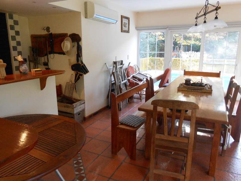 Foto Casa en Venta en  Barrio Parque Leloir,  Ituzaingo  Los Baqueanos  1500