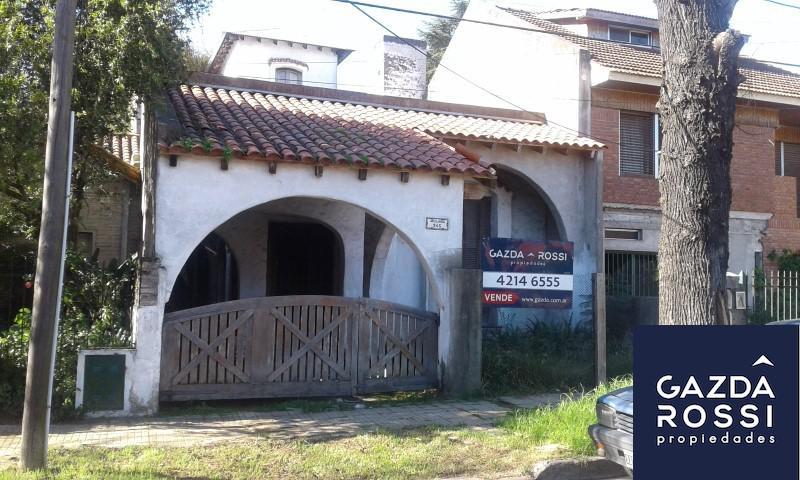 Foto Casa en Venta en  Adrogue,  Almirante Brown  AVELLAEDA 945