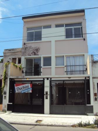Foto Casa en Alquiler en  Temperley,  Lomas De Zamora  Profesor Mariño al 206