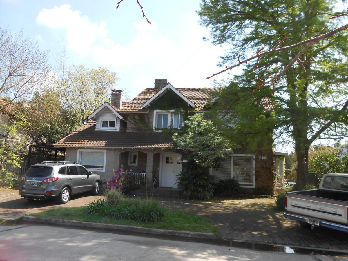 Foto Casa en Venta en  San Isidro Chico,  Countries/B.Cerrado (San Isidro)  Los Cedros N° 1318, B° Privado San Isidro Chico, San Isidro.