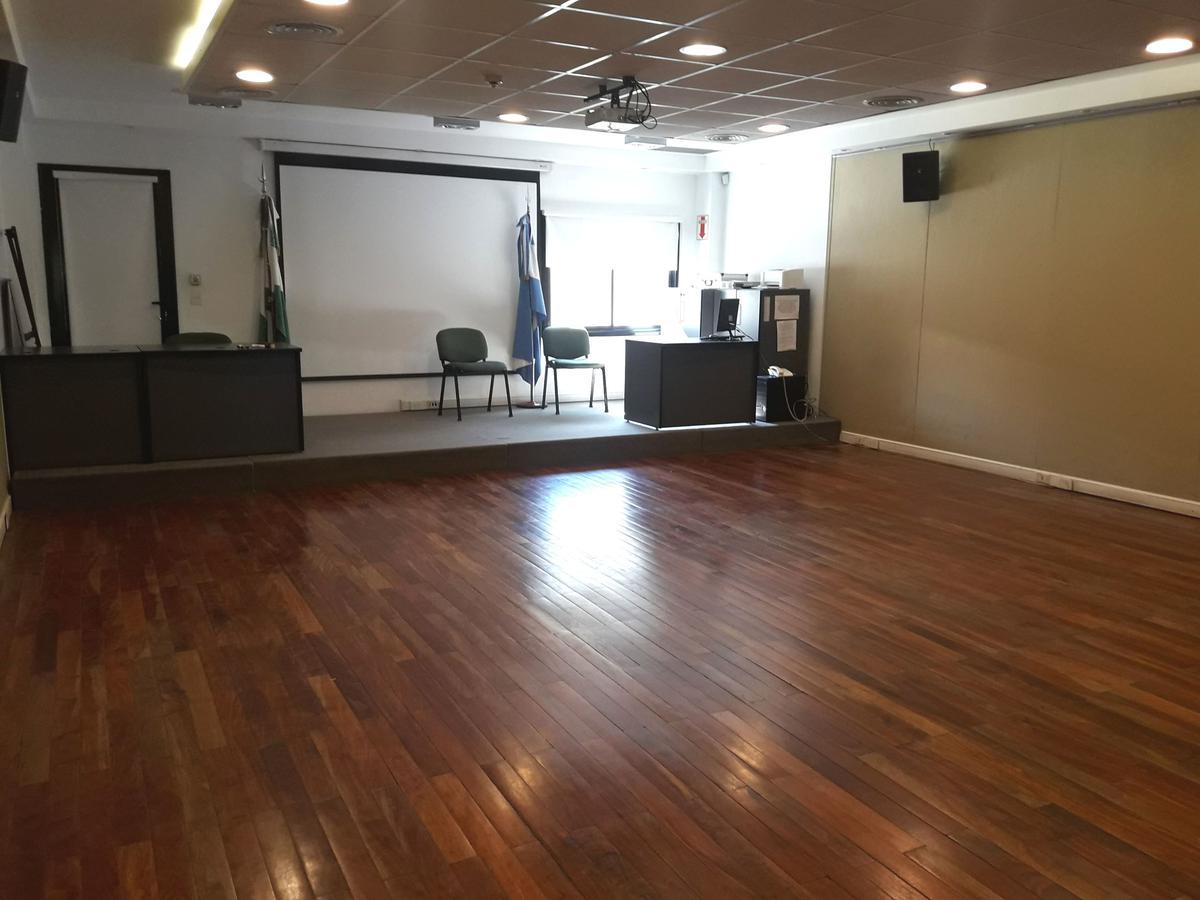 Foto Oficina en Alquiler en  S.Isi.-Centro,  San Isidro  Alsina al 200