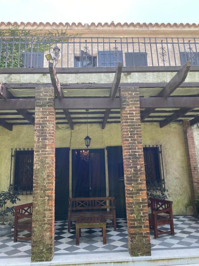 Foto Casa en Venta en  Carrasco ,  Montevideo  Potosí esquina Rambla